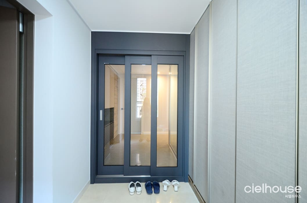Modern Windows and Doors by 씨엘하우스 Modern