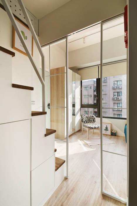 空間的中島核心 一葉藍朵設計家飾所 A Lentil Design Scandinavian style corridor, hallway& stairs