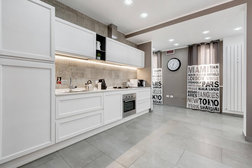 GuestHouse Baldo degli Ubaldi: Cucina in stile  di Luca Tranquilli - Fotografo