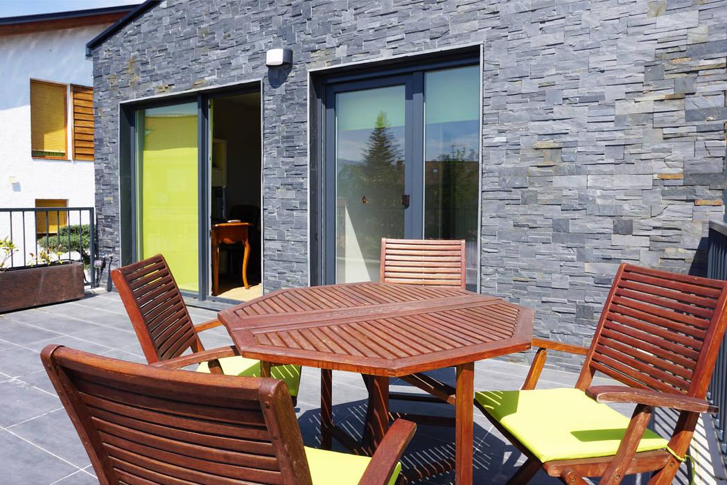 Moderner balkon, veranda & terrasse von casas cube modern ...