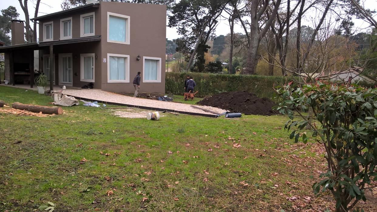 Diseño de eco- parque en Sierra de los Padres: Jardines de estilo rústico por LT Paisaje Diseño Sustentable