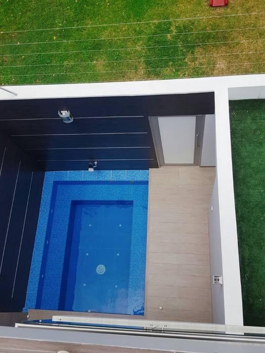 jacuzzi CONSTRUCTOR INDEPENDIENTE Piscinas de estilo moderno