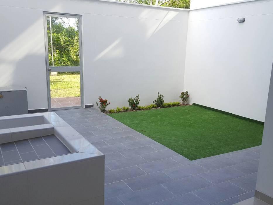 Jardines de estilo moderno de CONSTRUCTOR INDEPENDIENTE Moderno