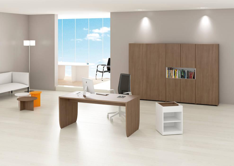 Espaces de bureaux modernes par FERCIA - Furniture Solutions Moderne