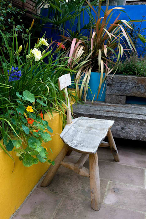Handmade garden chair:  Garden by Earth Designs