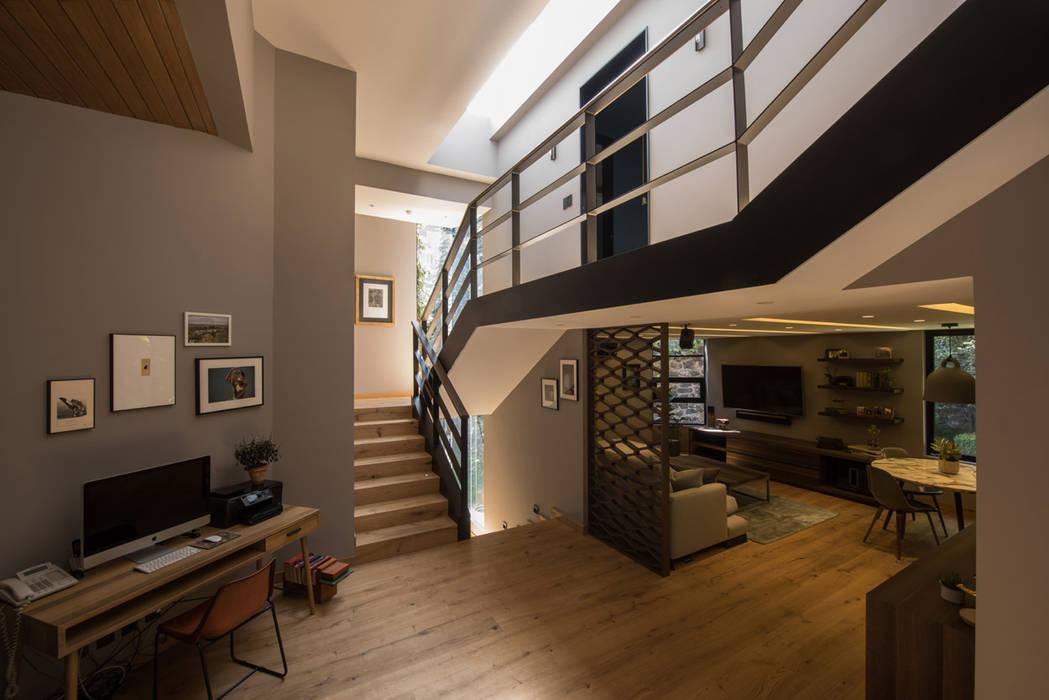 Corridor & hallway by ARCO Arquitectura Contemporánea , Modern