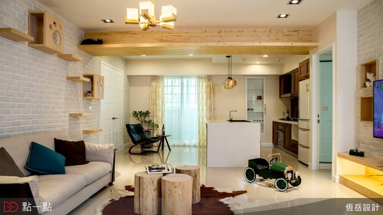 恆岳室內裝修:  客廳 by iDiD點一點設計