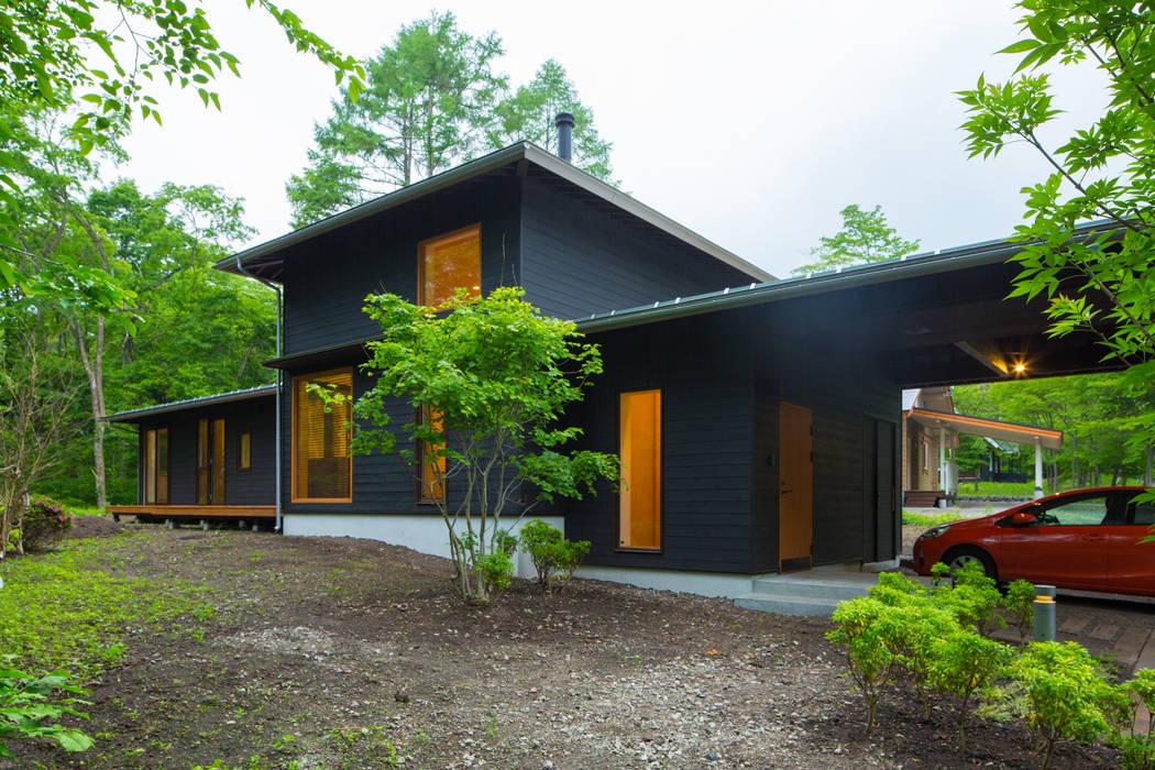一級建築士事務所 アトリエ カムイ Asian style houses Wood Black