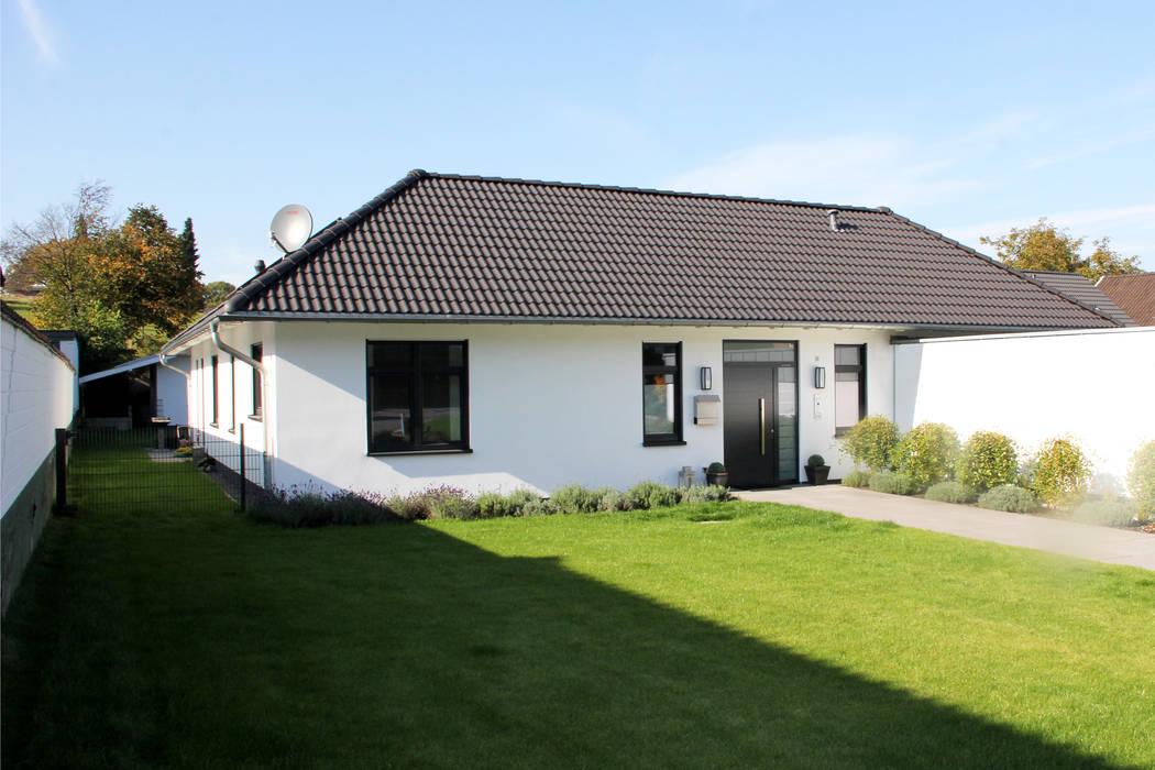 Casas de estilo  de Klaus Mäs Architektur, Moderno