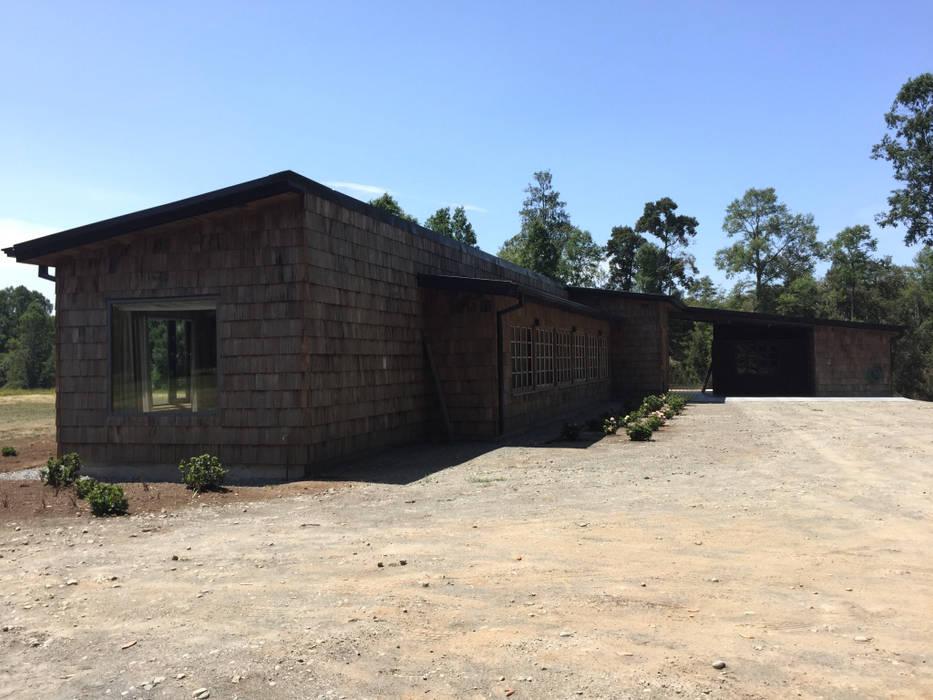 Rustikale Häuser von RENOarq Rustikal