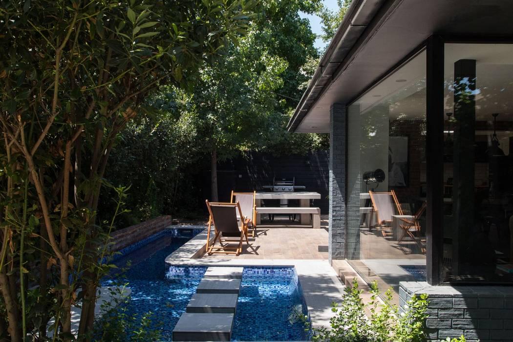 Terrace by RENOarq, Modern Tiles