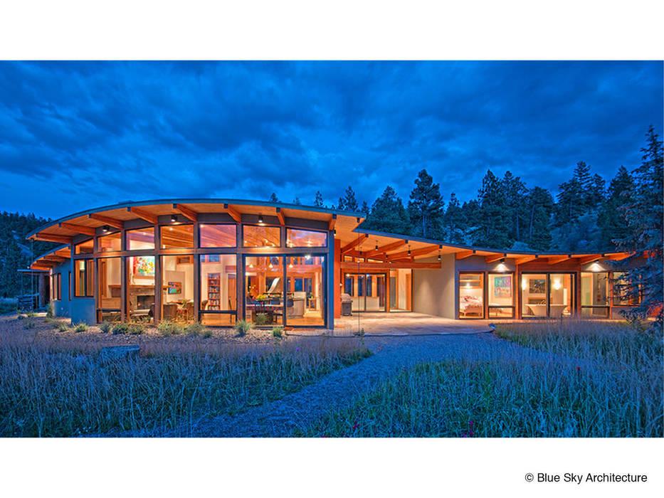 Дома в . Автор – Helliwell + Smith • Blue Sky Architecture, Модерн