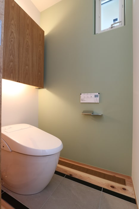 Scandinavian style bathroom by AD-HOUSE/株式会社大喜建設 Scandinavian