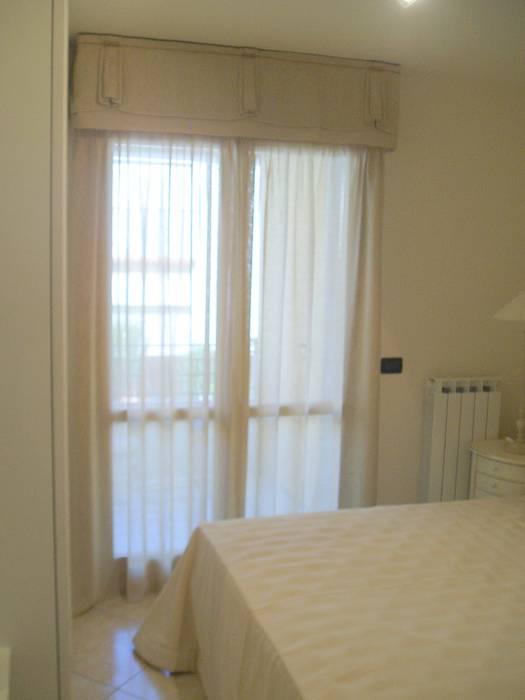 Tenda camera da letto con mantovana camera da letto in stile in stile eclettico di mobili donda - Tenda da camera ...