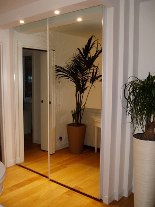 armadio scorrevole con ante a specchio: soggiorno in stile di mobili