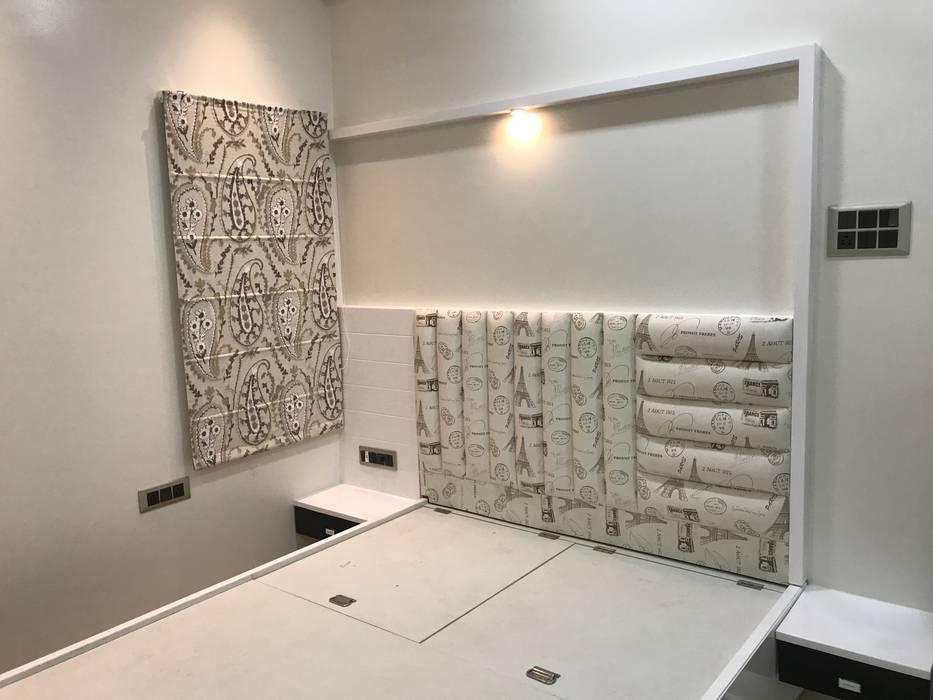 Luxury Interior Design 3 BHK Flat Nabh Design & Associates Minimalist bedroom Wood