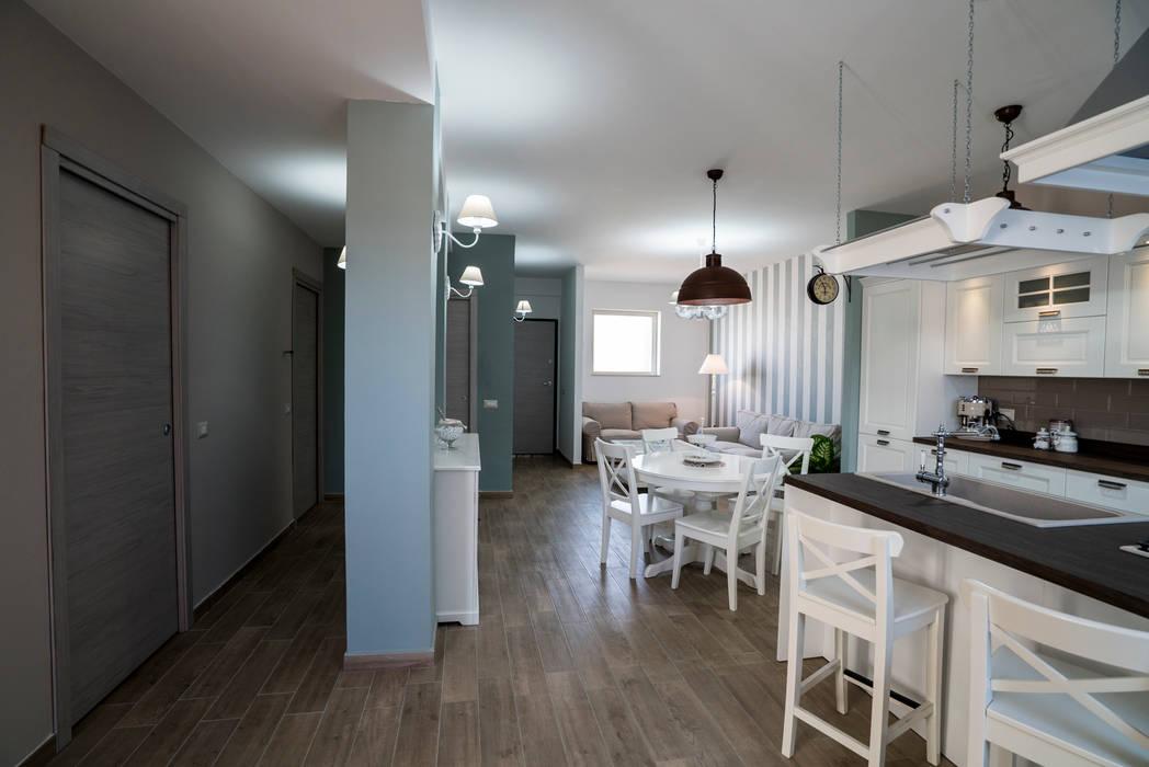 Appartamento Stile Shabby Chic Rustico Cucina in stile rustico di T_C_Interior_Design___ Rustico