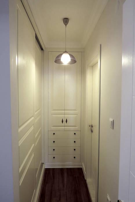 Corridor & hallway by Öykü İç Mimarlık,