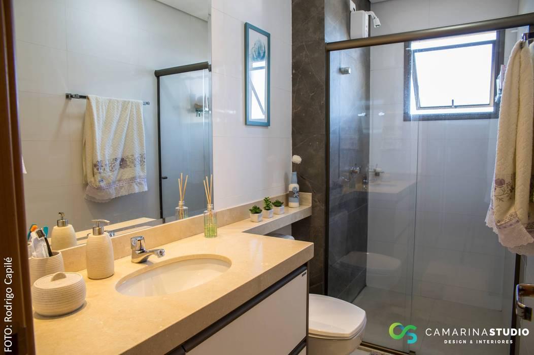 Banho suíte: Banheiros  por Camarina Studio,Rústico