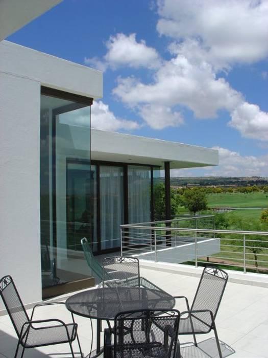 Casas modernas de Anthony Spruyt Architect Moderno