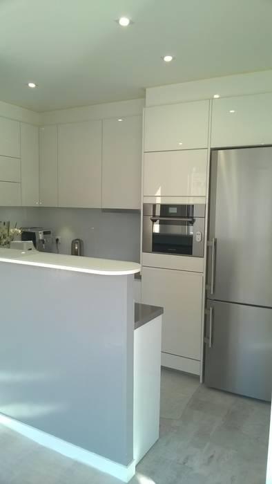 LSAI Minimalist kitchen