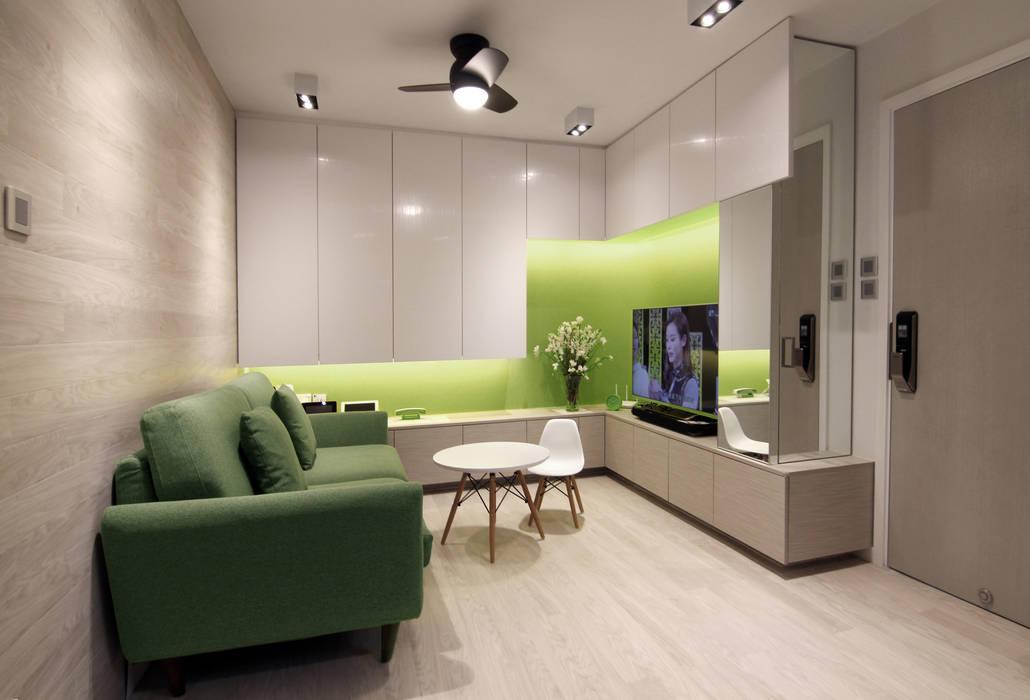 18 Renovation - 沙田穗禾苑:  Living room by Corner-S Architectural Design (Australia)