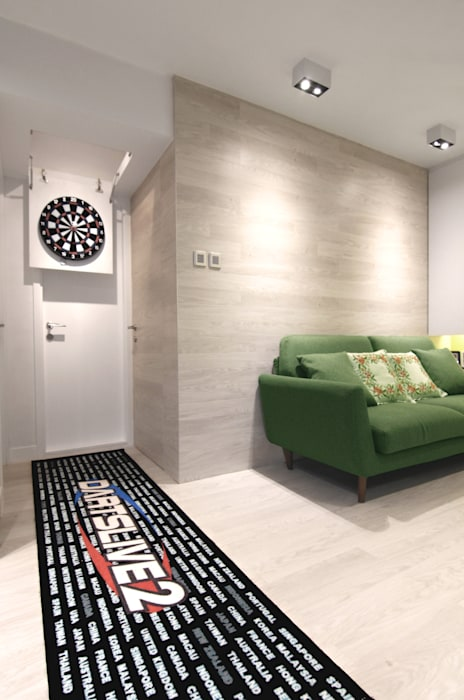 18 Renovation - 沙田穗禾苑:  Living room by Corner-S Architectural Design (Australia), Modern