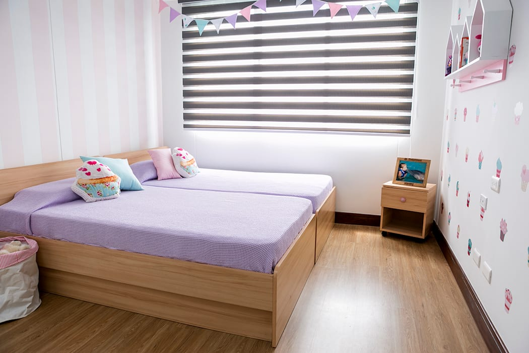 Nursery/kid's room by Little One, Classic