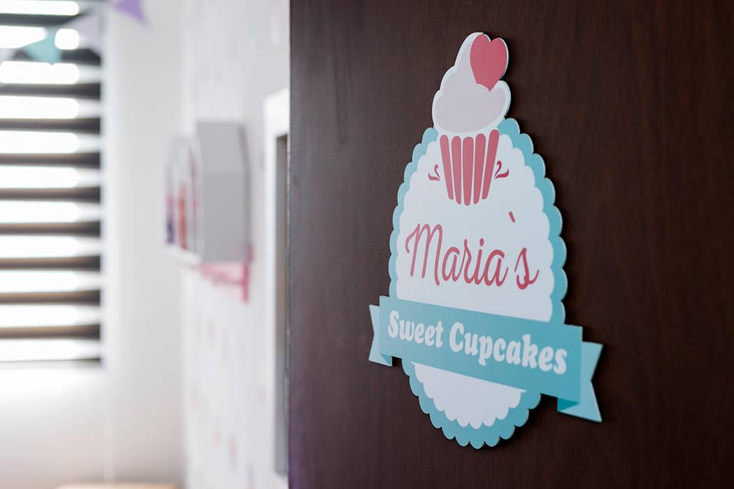 Cuarto de Maria del Mar y Maria Antonia Habitaciones para niños de estilo clásico de Little One Clásico