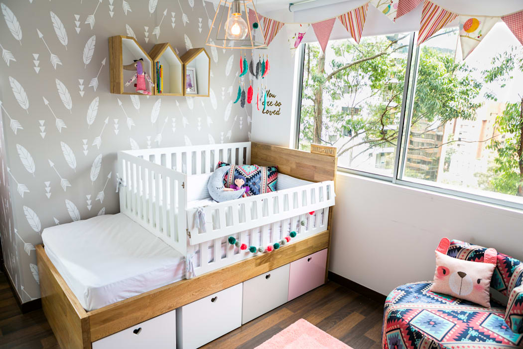 Nursery/kid's room by Little One, Eclectic