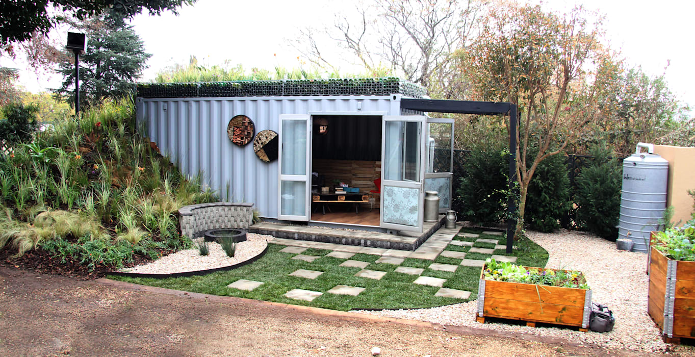 Container Living with rood garden Industrial style houses by Acton Gardens Industrial Metal