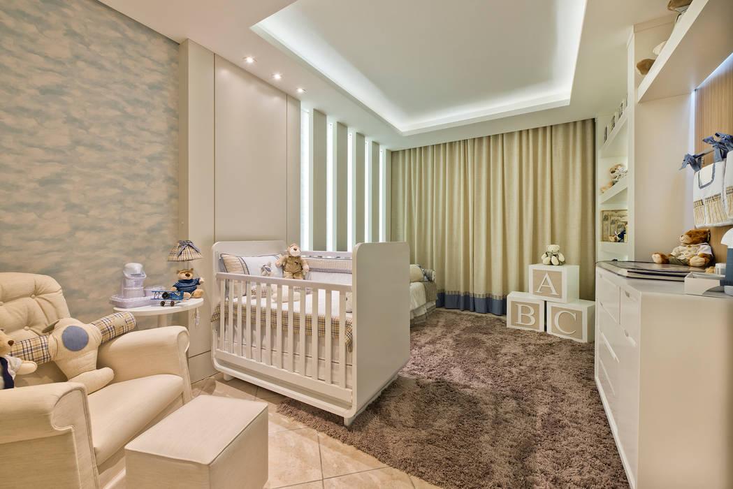 Quarto do menino - nuvens: Quarto infantil  por KIDS Arquitetura para pequenos