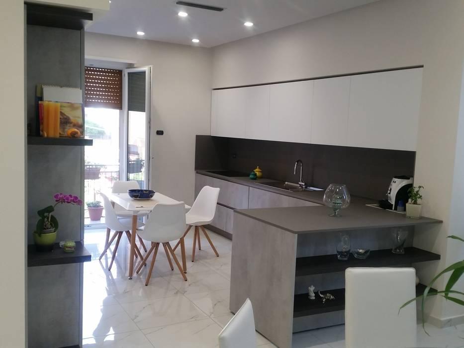 Appartamento Daniele ed Angela: Cucina in stile in stile Moderno di ARCHITÈ