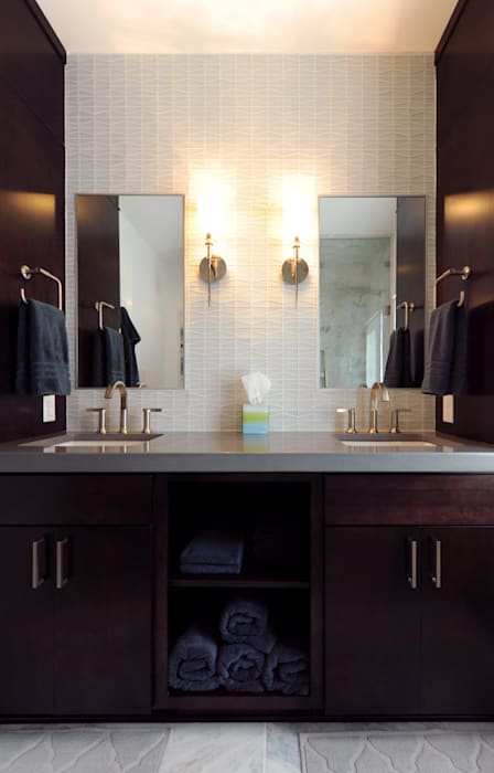 Banheiros modernos por Olamar Interiors, LLC Moderno Azulejo