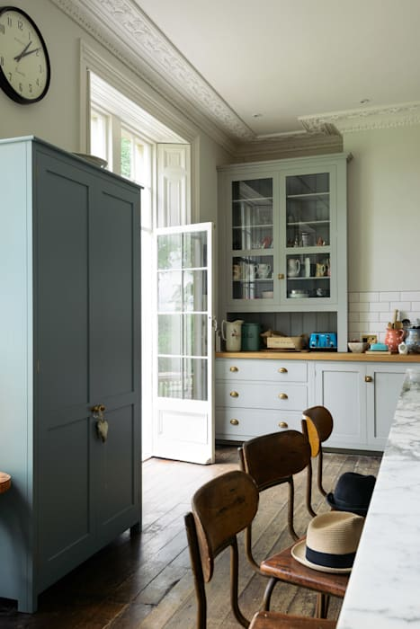 The Frome Kitchen by deVOL: eclectic Kitchen by deVOL Kitchens