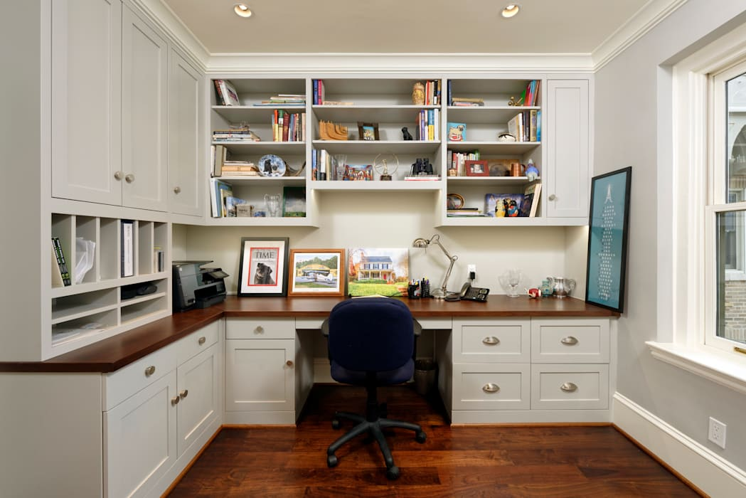 BOWA - Design Build Experts Minimalistyczne domowe biuro i gabinet