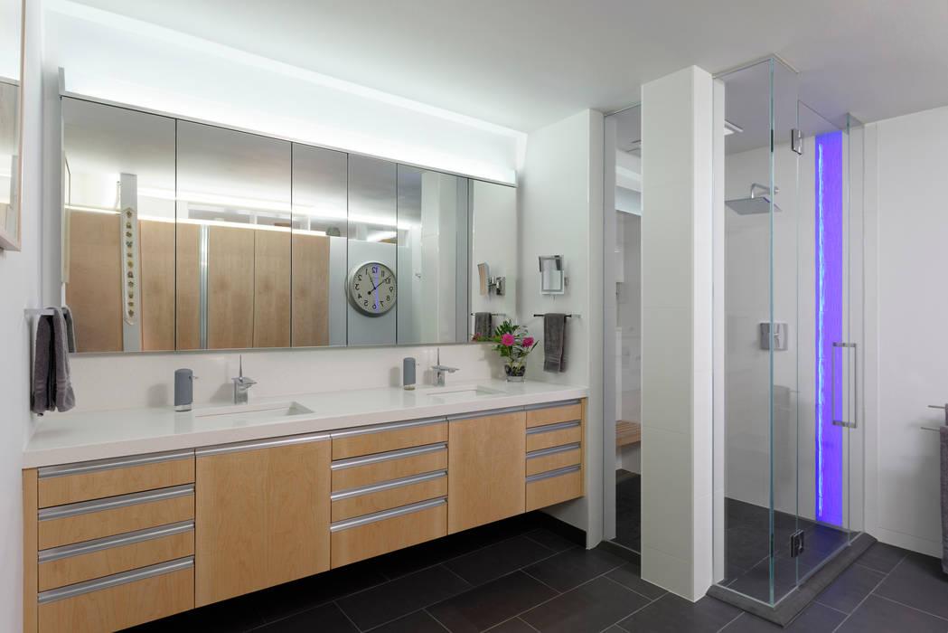 Moderne badkamers van BOWA - Design Build Experts Modern