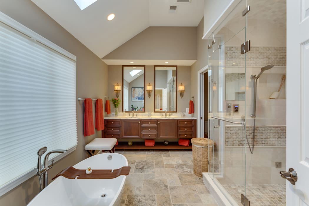 Universal Design Master Suite Renovation in McLean, VA Minimalist bathroom by BOWA - Design Build Experts Minimalist