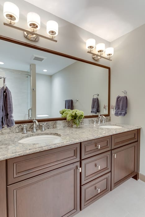 Universal Design Master Suite Renovation in McLean, VA Minimalist style bathrooms by BOWA - Design Build Experts Minimalist