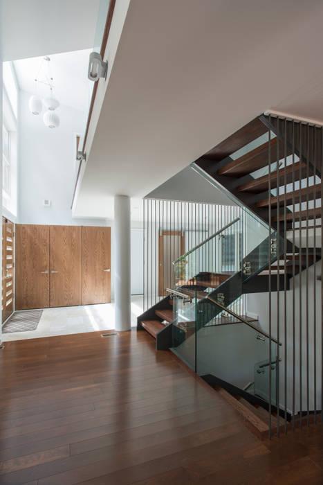 ARCHI-TEXTUAL, PLLC Hành lang, sảnh & cầu thang phong cách hiện đại