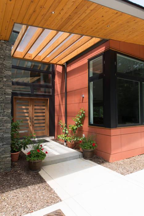 Rumah Modern Oleh ARCHI-TEXTUAL, PLLC Modern