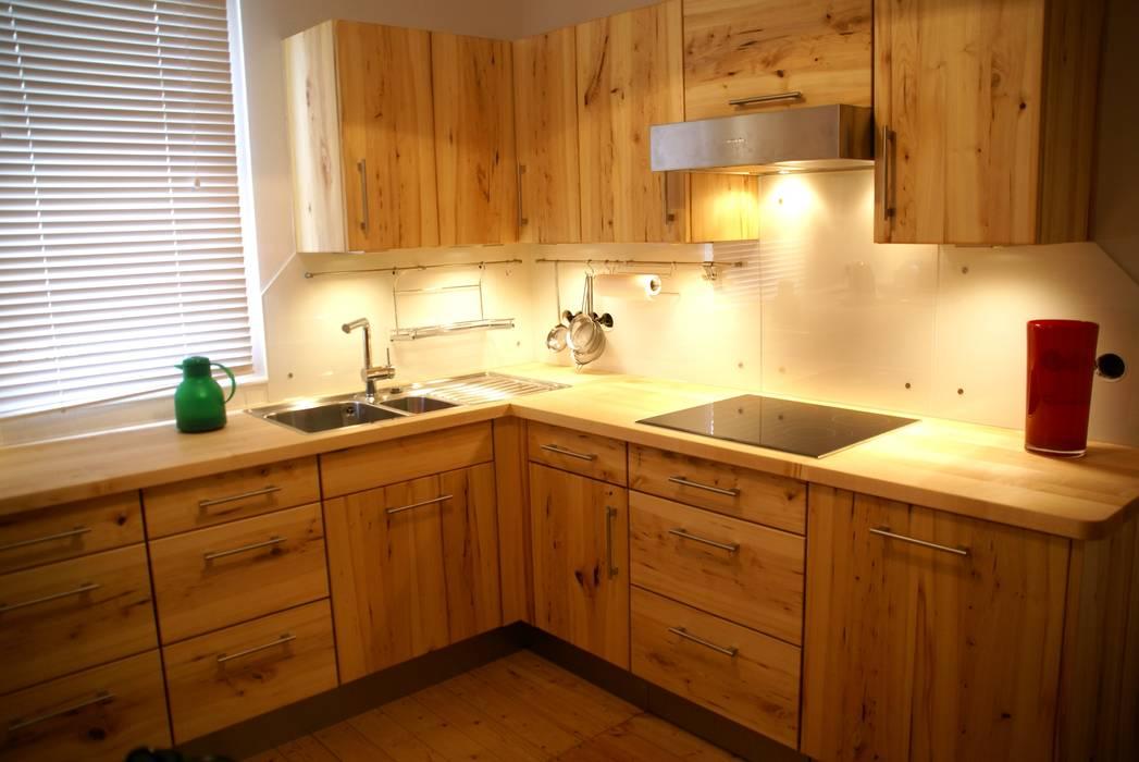 Massivholzküche in rüster wildholz mit holz-arbeitsplatte ...