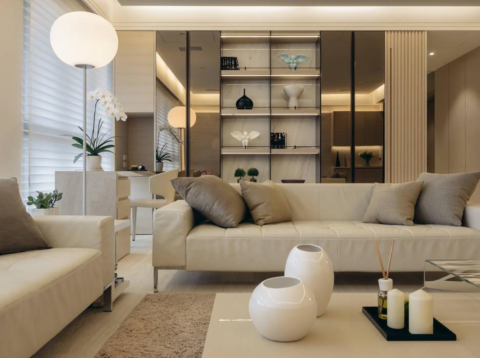 Moderne Wohnzimmer von 汎羽空間設計 Modern