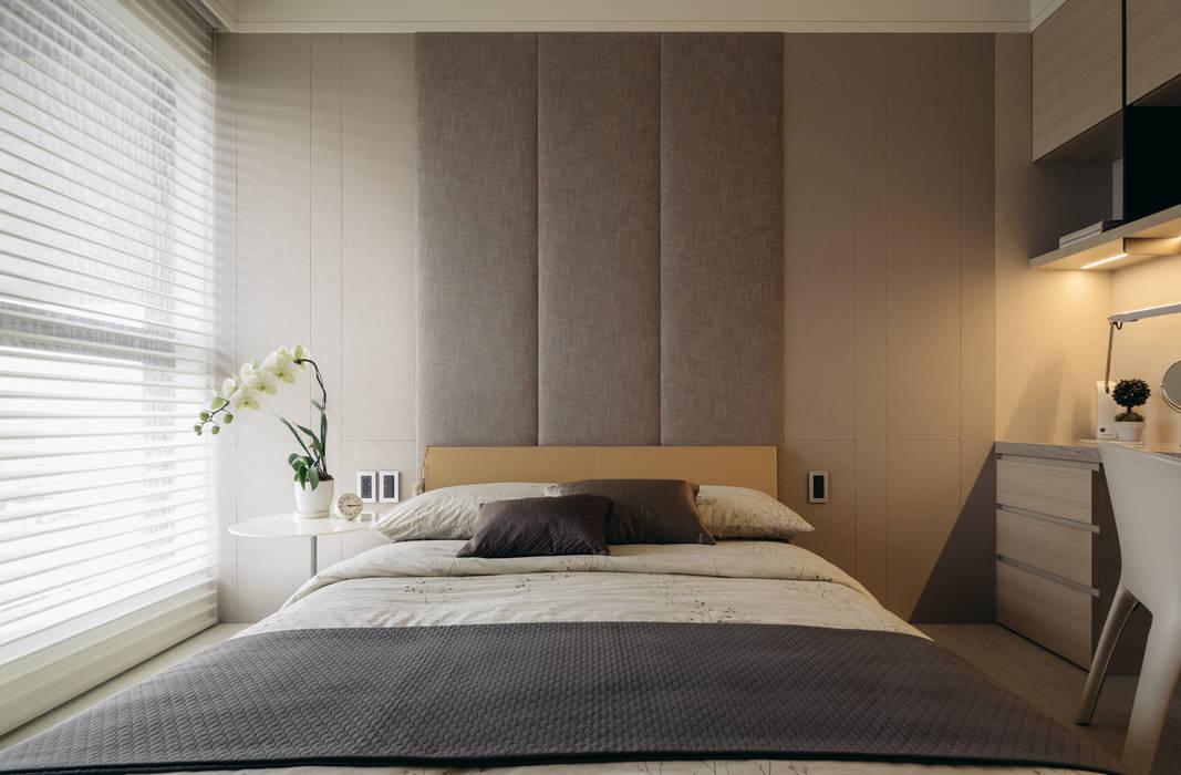 Moderne Schlafzimmer von 汎羽空間設計 Modern