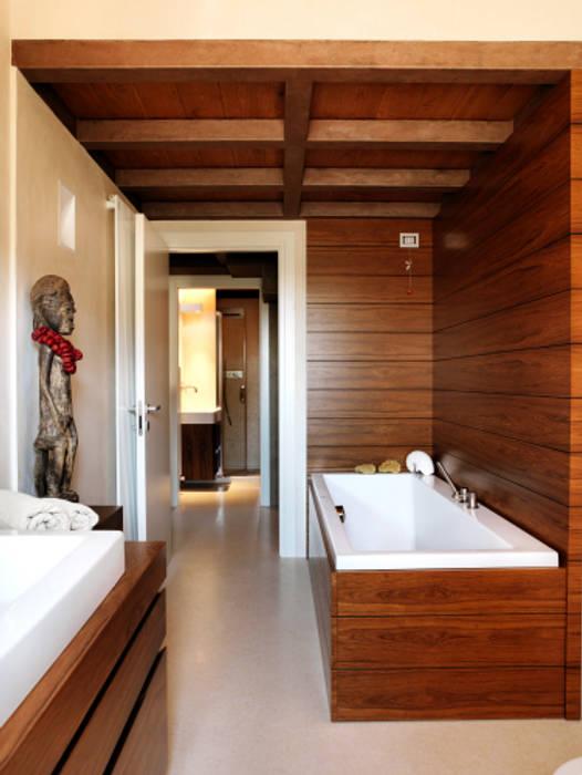 Bagno : Bagno in stile in stile Moderno di Daniele Franzoni Interior Designer - Architetto d'Interni