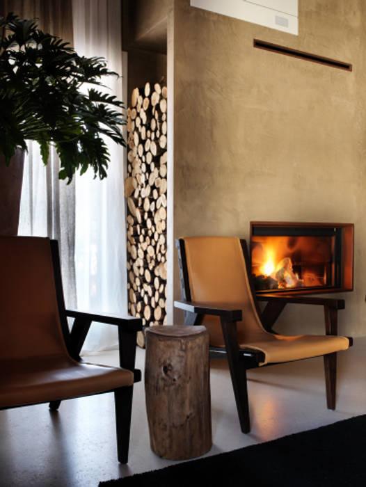 Camino : Soggiorno in stile in stile Moderno di Daniele Franzoni Interior Designer - Architetto d'Interni