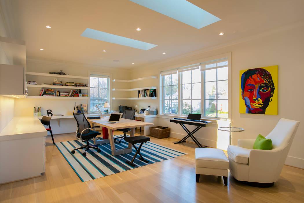 Bethesda Modern FORMA Design Inc. Modern Study Room and Home Office