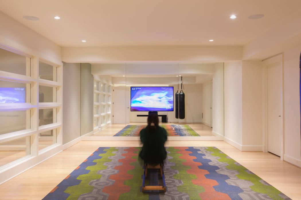 Bethesda Modern Modern Gym by FORMA Design Inc. Modern