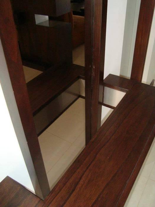 Modern corridor, hallway & stairs by Estudio Karduner Arquitectura Modern Wood Wood effect