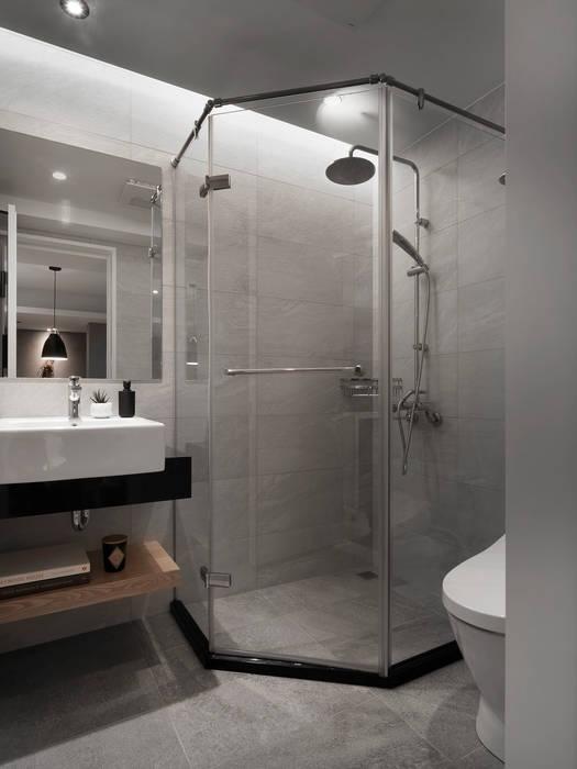 Ванные комнаты в . Автор – 御見設計企業有限公司, Модерн